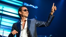Marc Anthony en medio de un concierto en Miami, EEUU