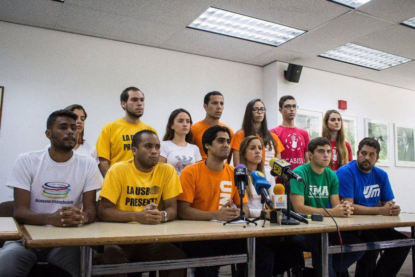 Estudiantes universitarios ratificaron defender la democracia en Venezuela