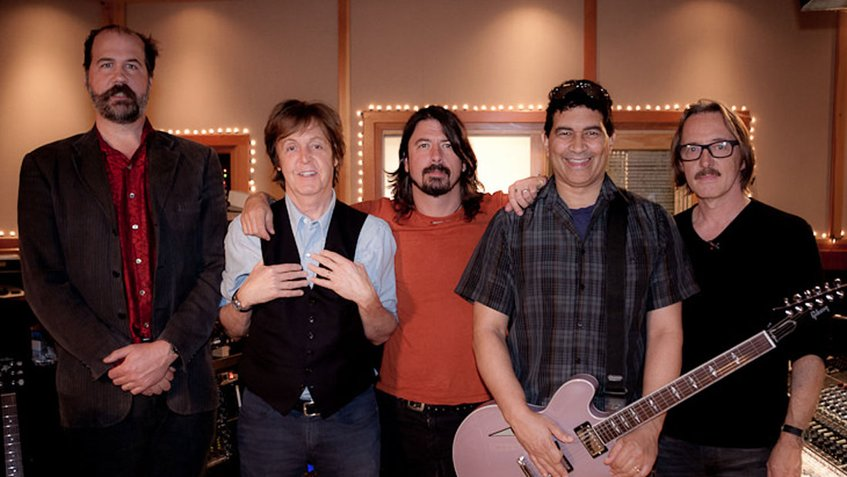 Paul McCartney tocará batería en nuevo disco de Foo Fighters